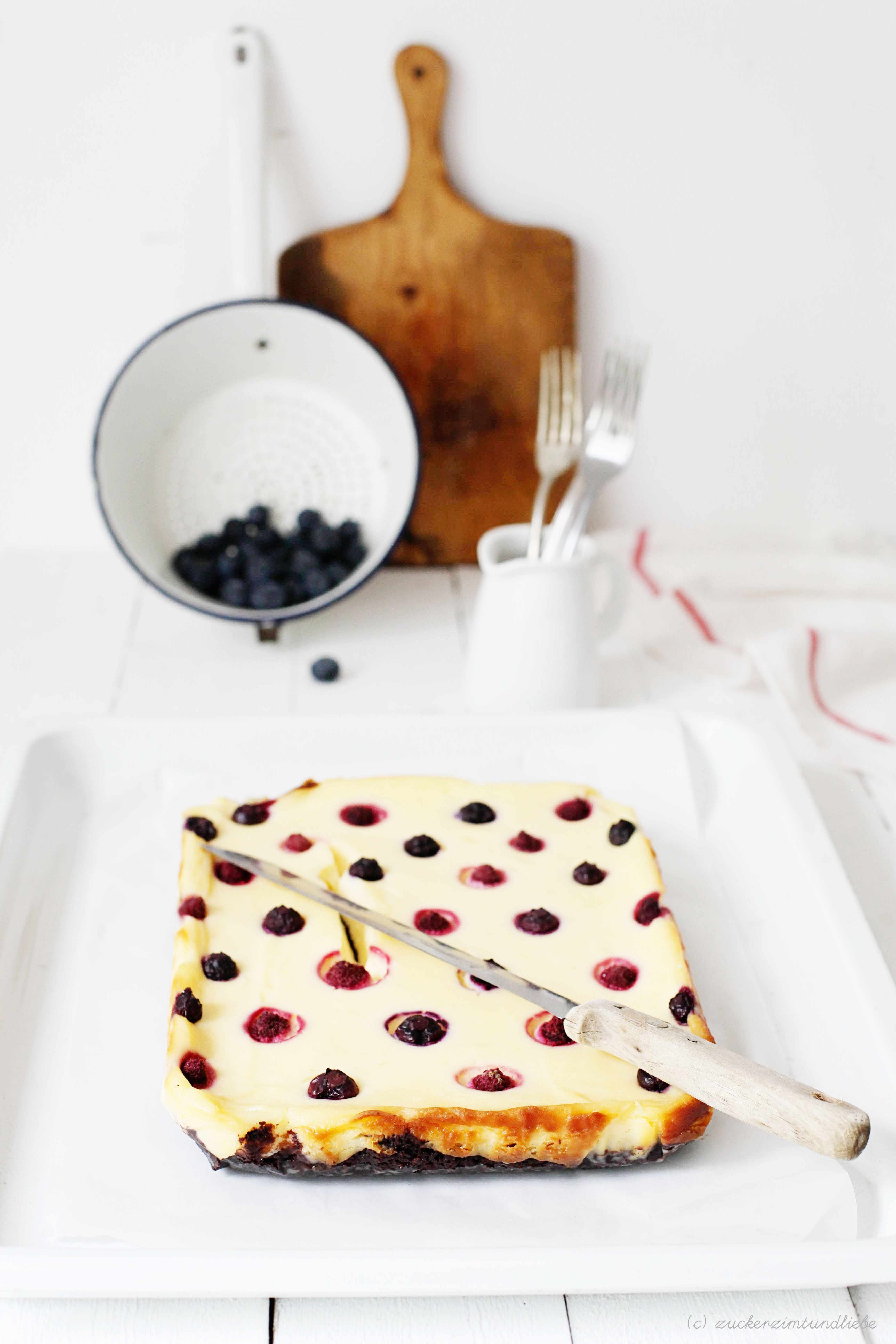 polka dot brownie cheeseake rezept zucker zimt und liebe. Black Bedroom Furniture Sets. Home Design Ideas