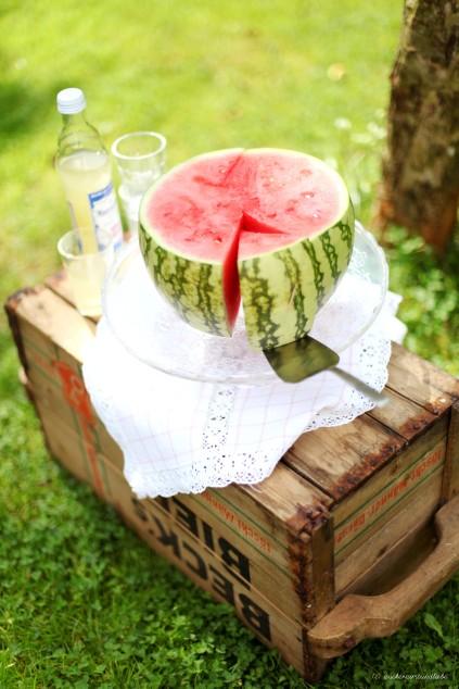 Zuckerzimtundliebe Foodblog Wassermelonen Kuchen im Garten Sommer