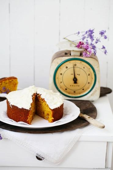 http://www.kulinarische-momentaufnahmen.de/lammrucken-mit-korianderkruste-suskartoffel-zitronenpuree-und-granatapfel/