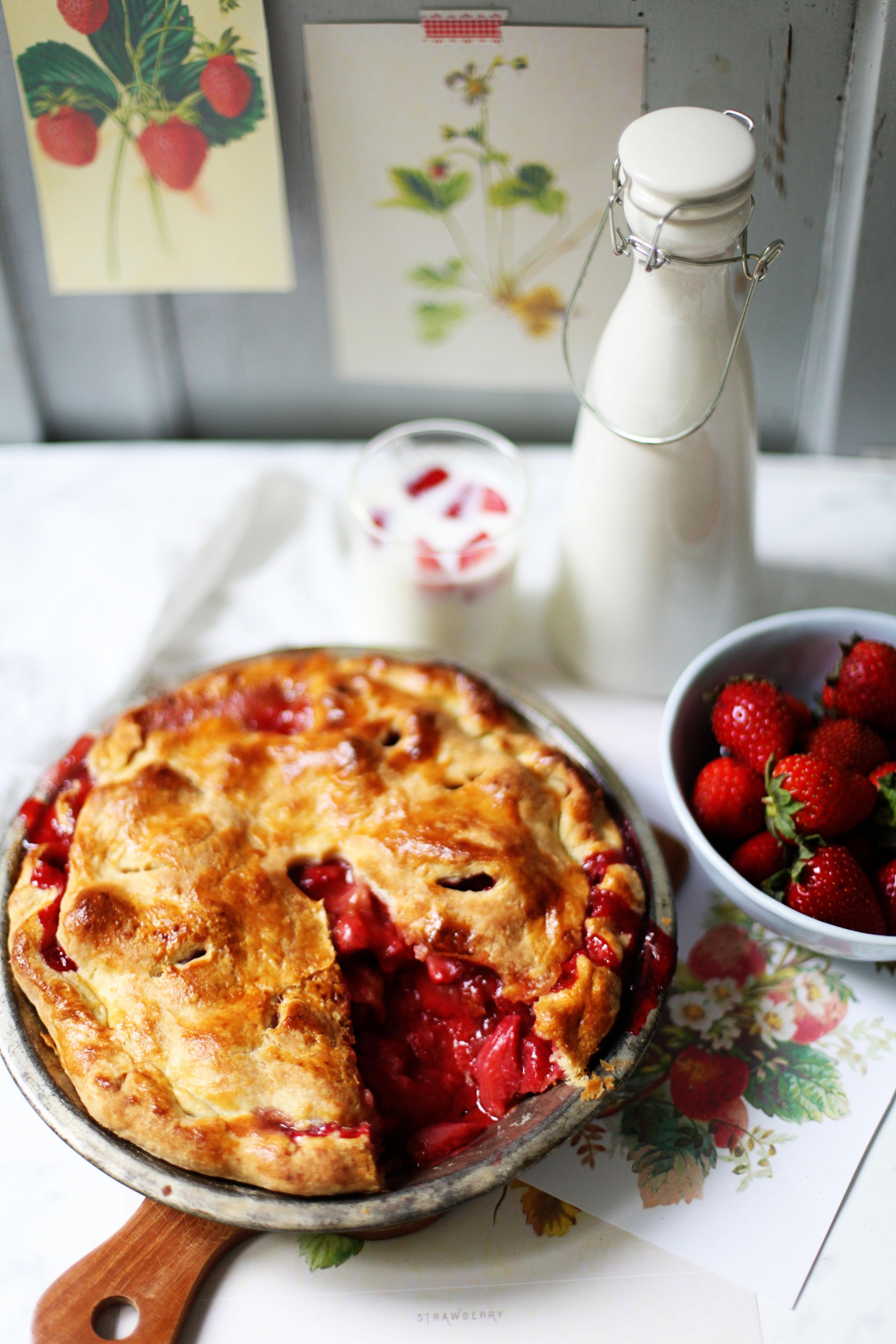 Rezept für Strawberrypie Erdbeerpie einfach Pierezept Erdbeerrezept Tarte Sommerkuchen Backrezept Zuckerzimtundliebe Foodblog Backblog
