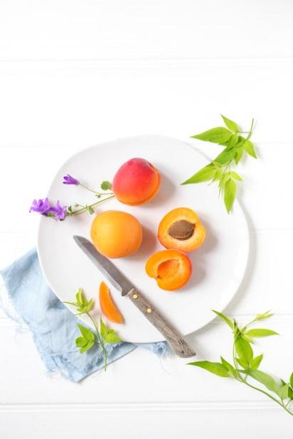 Rezept Aprikosentarte Mandeltarte Sommertarte Sommerkuchen Zuckerzimtundliebe apricot tart Fußball WM 2014 Zuckerzimtundliebe Foodblog Aprikosen Foodstyling Apricots