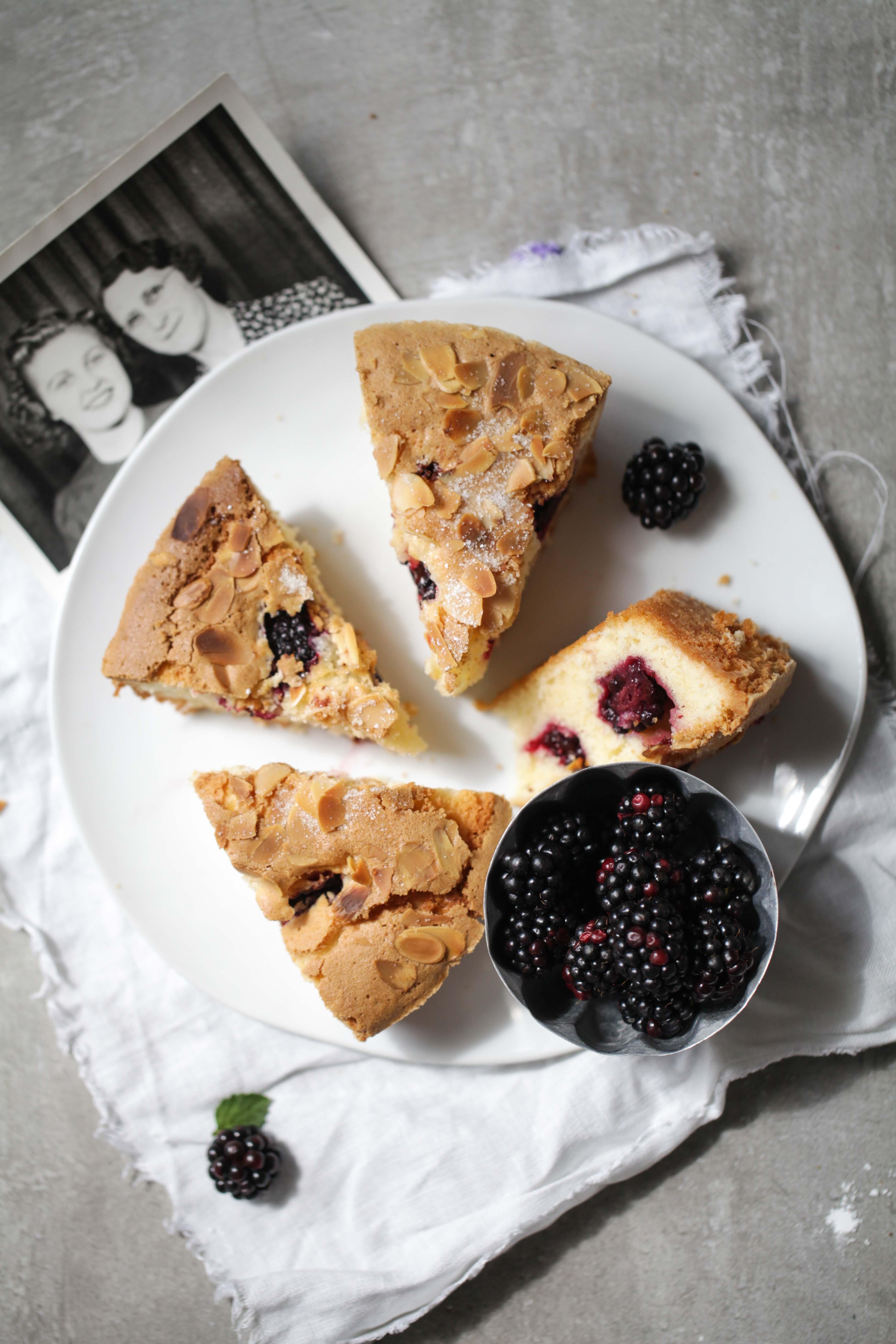 Rezept Brombeerkuchen Mandelkuchen Blackberry Cake Recipe Sommerkuchenrezept einfacher Kuchen Brombeerrezepte Backblog Foodblog Zuckerzimtundliebe