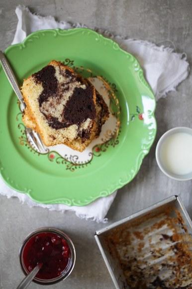 Kuchen aus der Form holen - Tipps, wie man Gugelhupf aus der Form bekommt