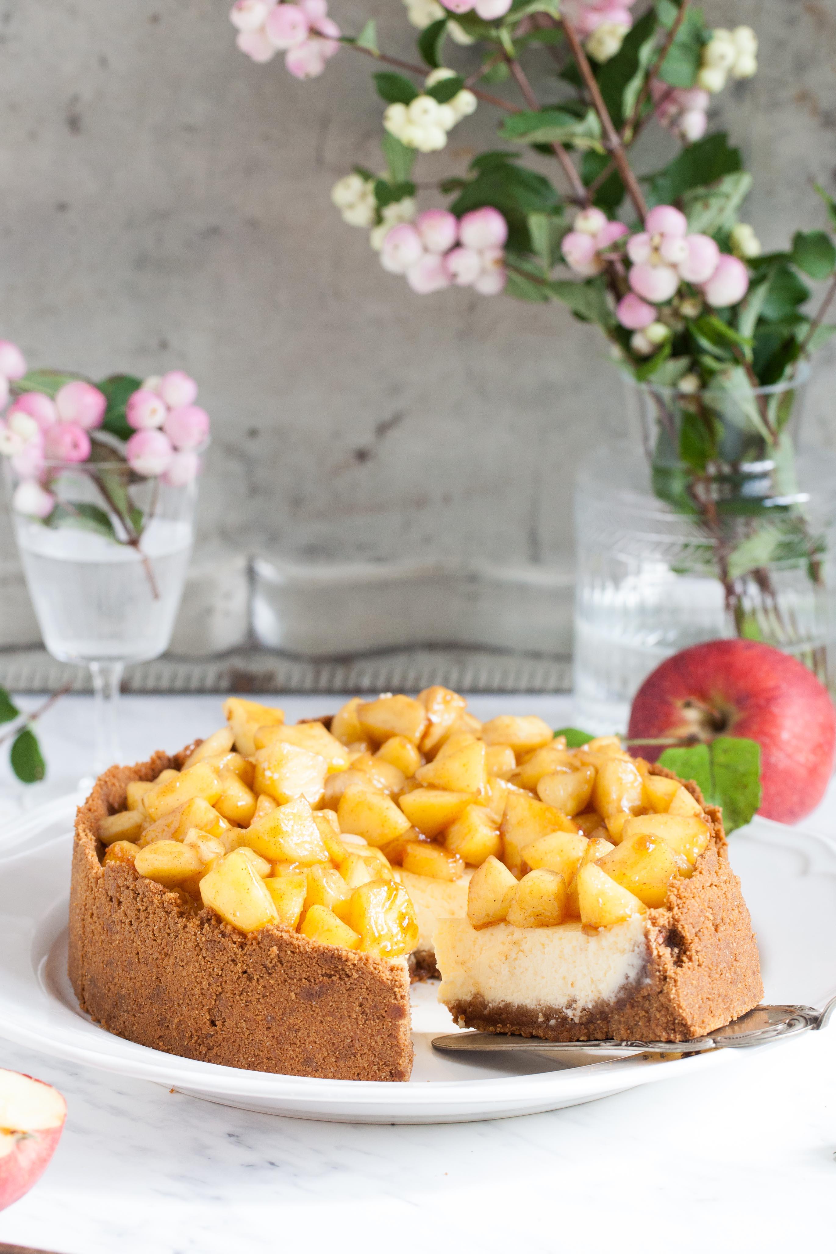 Apfel Kasekuchen Mit Amarettiniboden Backrezept Apple Cheesecake