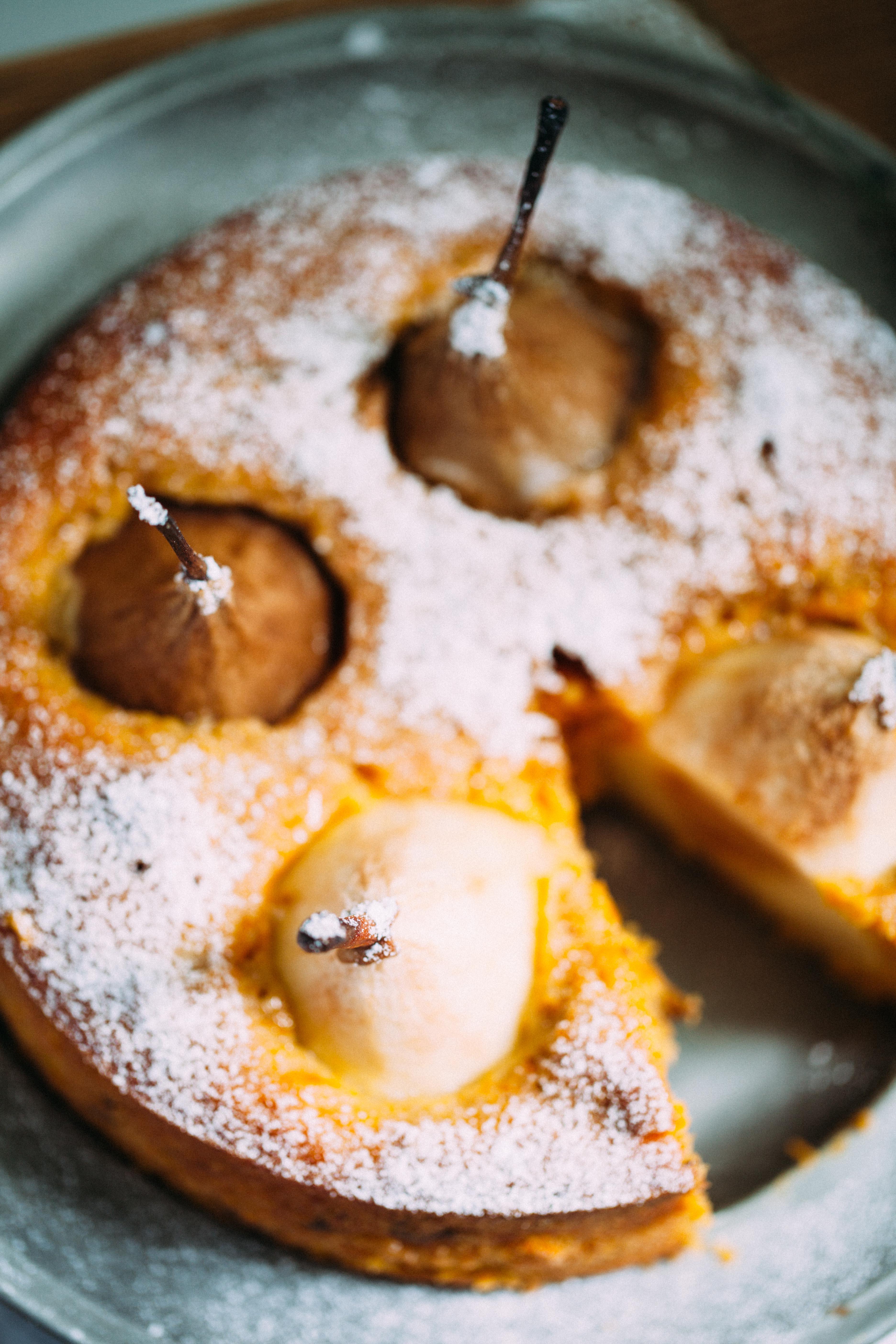 Leckerer Möhrenkuchen mit Birnen Carrot cake Zuckerzimtundliebe Herbstkuchen Herbstrezept Möhrenrezept Birnenkuchen