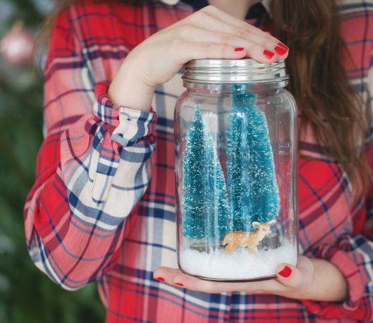 Zucker Zimt und Liebe Weihnachten Jessica Preuhs Weihnachtsdeko Reh grüne Weihnachtstannen im Glas Butter London